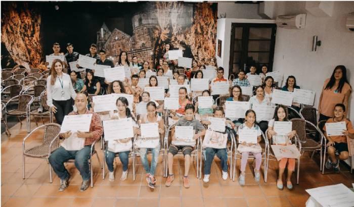 Niños beneficiarios del diplomado para la sostenibilidad