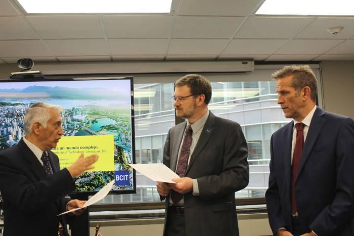 Marcel Lebleu, embajador de Canadá, presente en acuerdo entre REDTTU y BCIT