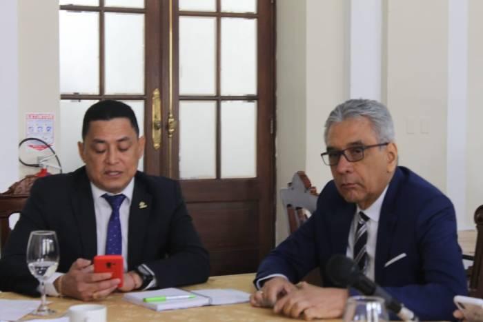 Rectores Oscar Porras y Ramón Espinosa