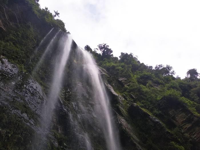 Cascada La Chorrera, la más alta de Colombia en caída escalonada (Choachí, Cundinamarca)