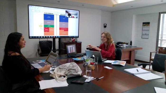 Directora de internacionalización de ITSA, Jennifer Niebles y representante internacional de Cegep Levis Lauzon, Sandrine Mallet