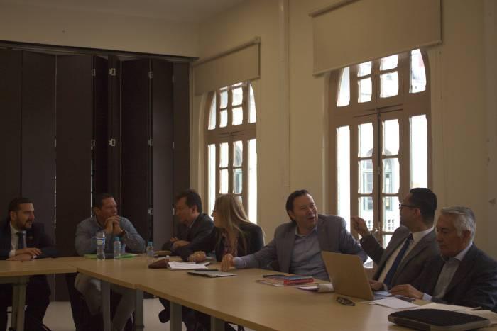 Secretarios Generales y Jefes Jurídicos REDTTU debatiendo