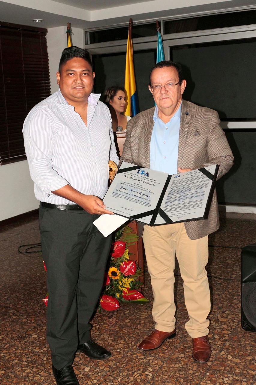 Docente Jaime Tigreros y el Rector Gustavo
