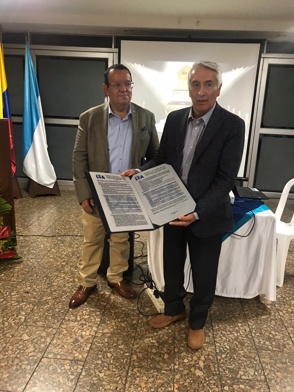 Director Ejecutivo Felipe Ortíz y el Rector Gustavo Rubio Lozano