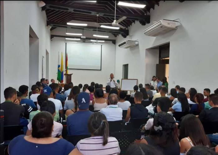 El rector Jairo Argemiro Mendoza Álvarez fue el encargado de darle la bienvenida a los asistentes al evento